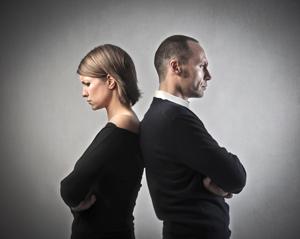 離婚拖延簽協議 爭議不斷待審判