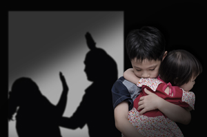 家庭暴力零容忍            受傷弱妻勇提告
